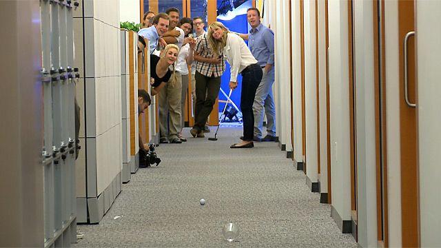 Paula Creamer drains 70-foot office putt - Video - GOLF.com