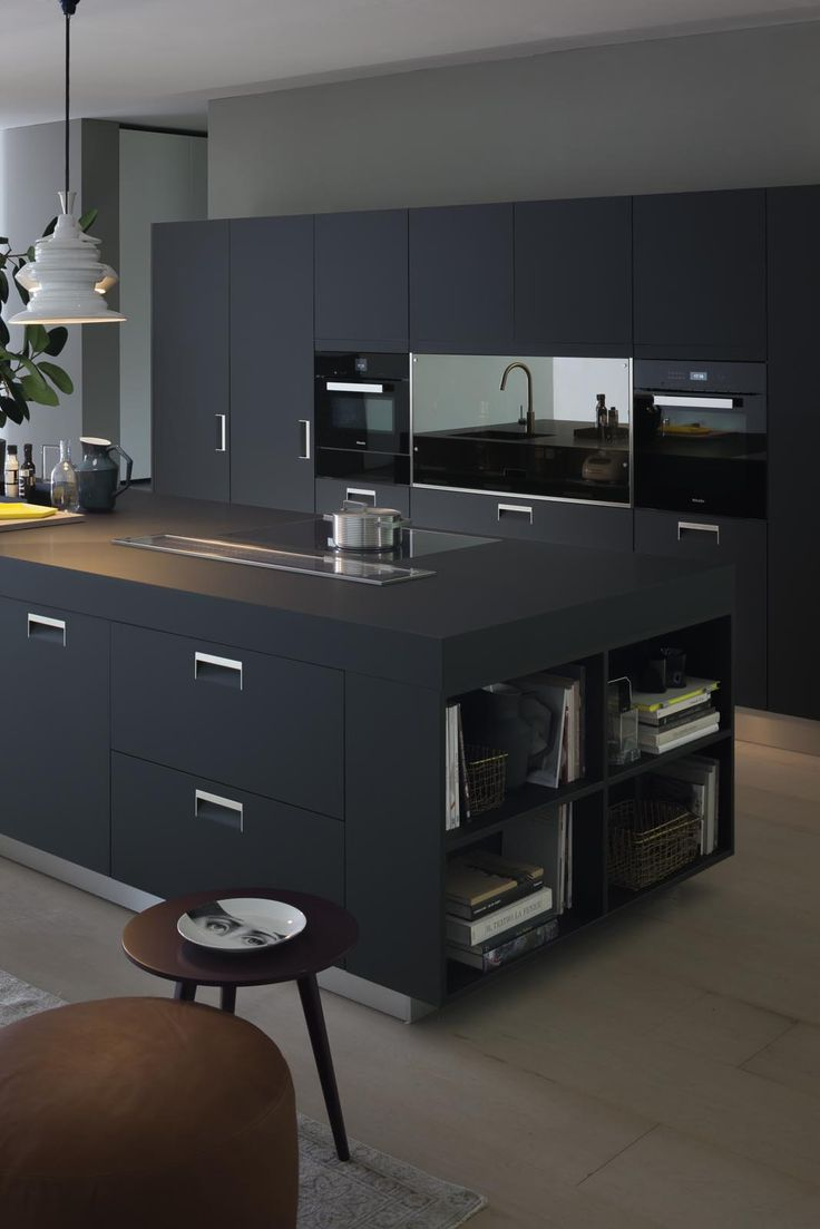 ARCLINEA Italia Handle in Black Armour finish, cabinets + top.