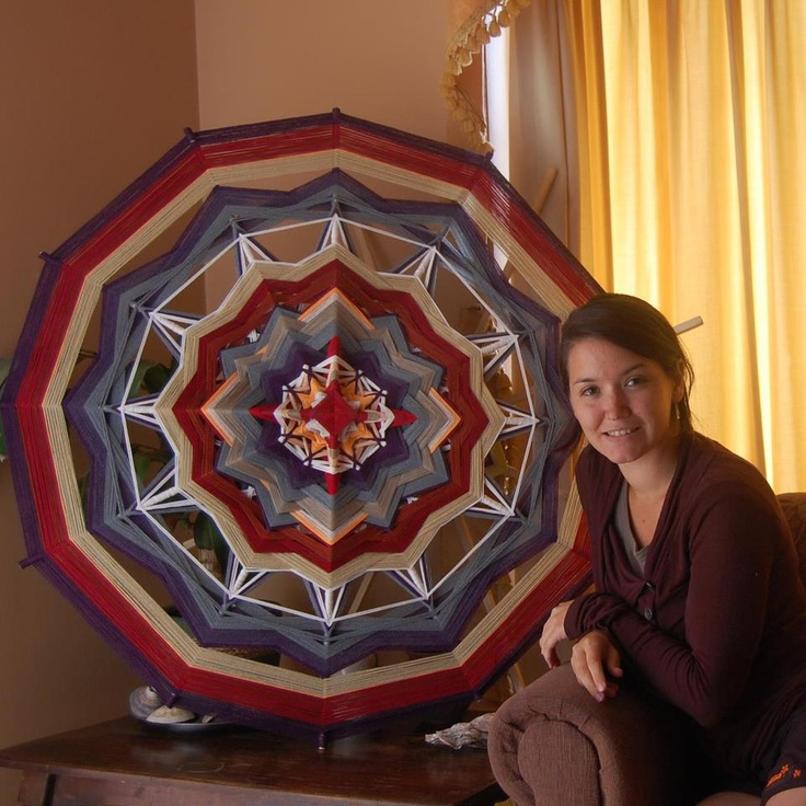 Mandala de lana de un metro de ancho 12 puntas combinación colores fríos y calidos