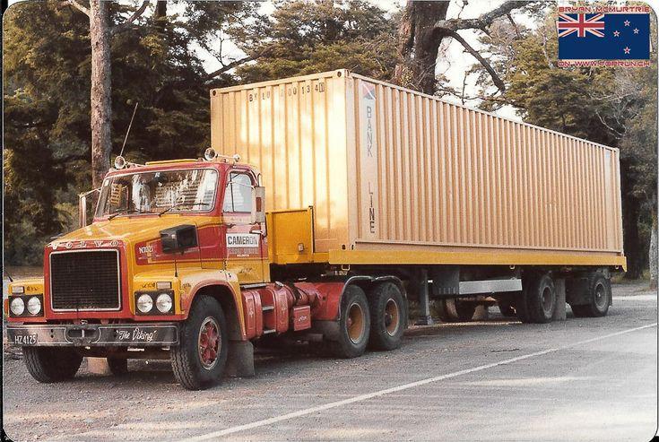 913 best volvo trucks oldtimers images on pinterest - Bac a semis ...
