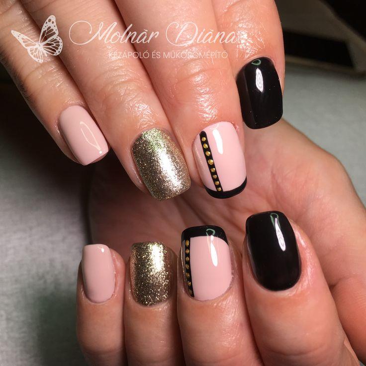 #nails #nailart #blacknails #nudenails #goldnails #blackfrenchnails CN FD 1, GL 55, 3S 57