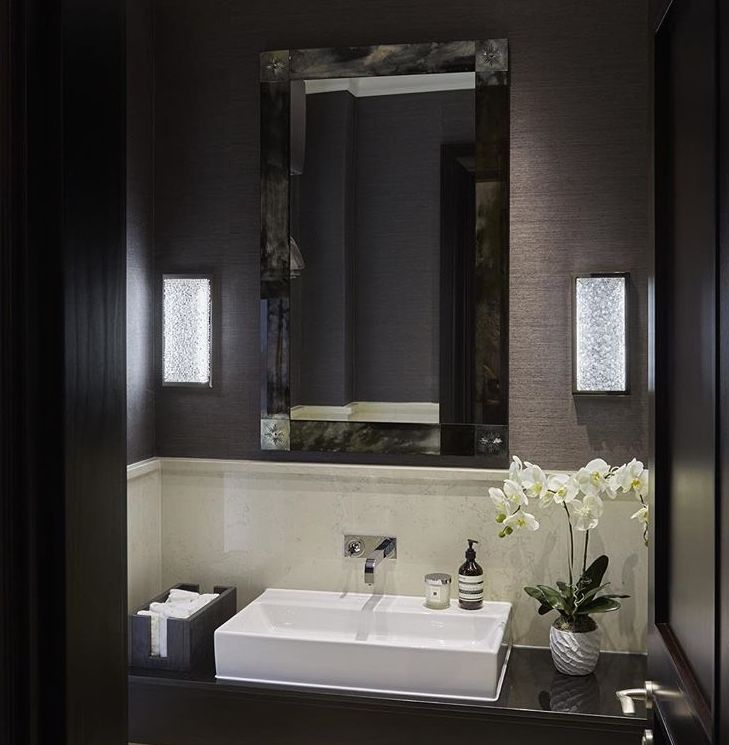 Sophie Paterson Interiors Guest WC with Navy Grass cloth Walls