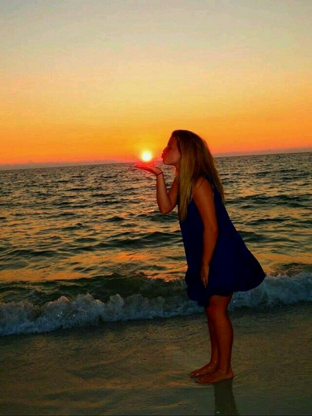 Unique idea to take picture on the beach