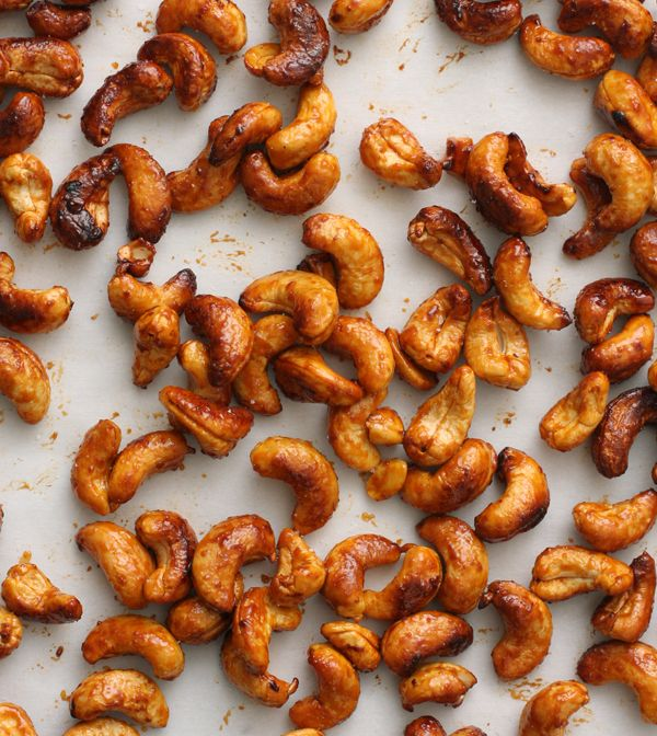 Siracha Honey Roasted Cashews — Meats and Sweets