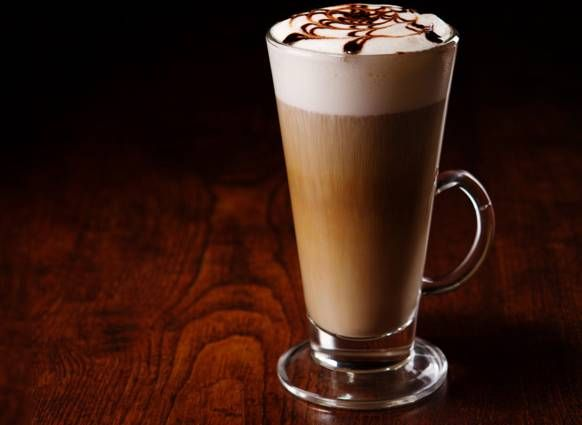 Necesitamos   130 gramos de leche desnatada o semidesnatada  50 gramos de café ( un café expreso )   Preparamos   1. Ponemos la leche ...
