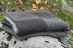Ravelry: Stora filten pattern by Linnéa Öhman