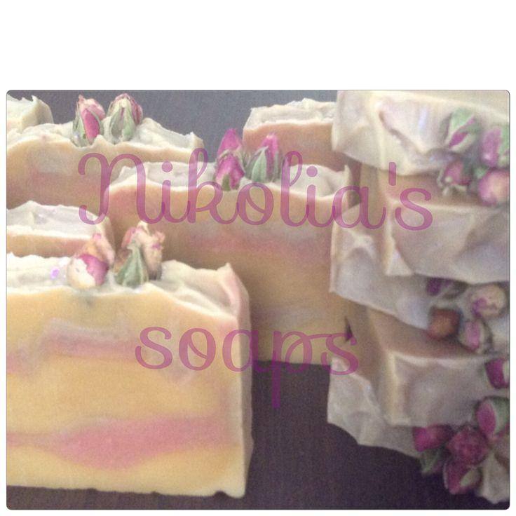 Σαπουνι ελαιολάδου και φυτικών ελαίων με γάλα κατσίκας και αιθερια ελαια άγιοκλημα και λεμόνι