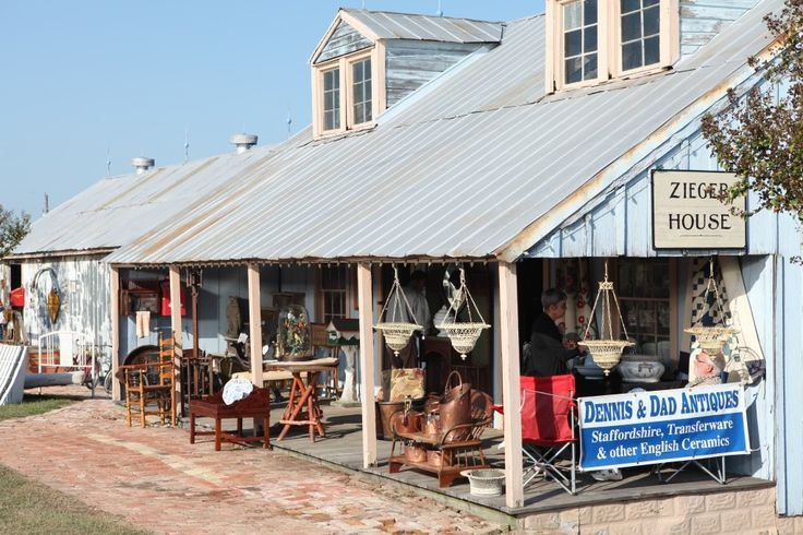 Great blog post about Round Top Antique Week!
