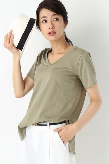 コンパクトサイロ VネックTシャツ  コンパクトサイロ VネックTシャツ 7020 2016SS La TOTALITE シンプルなVネックTシャツ サイドスリットが入っているのでフロントだけタックインしたスタイリングにも 程よいぬけ感のあるどこかやわらかな雰囲気のVネックTシャツです 取り扱いについては商品についている品質表示でご確認ください モデルサイズ:身長:168cm バスト:81cm ウェスト:59cm ヒップ:88cm 着用サイズ:フリー
