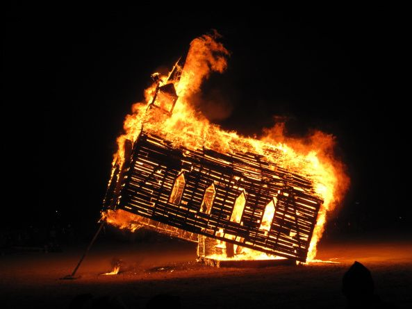 https://burnersxxx.files.wordpress.com/2016/04/burning_man_2013_church_trap_fire_9657162677.jpg?w=593