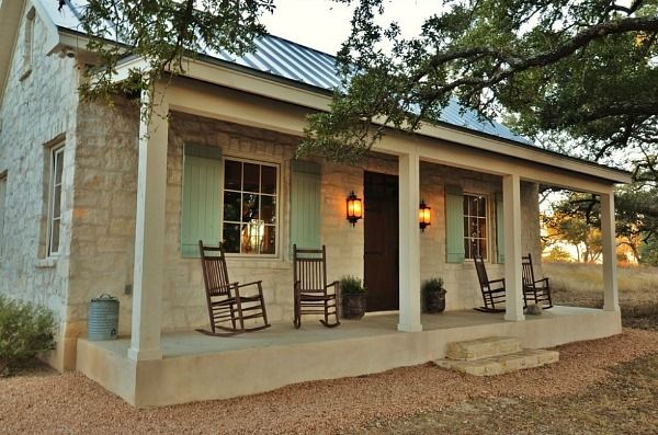 Small stone cottage guest house Fredericksburg TX | hookedonhouses.net
