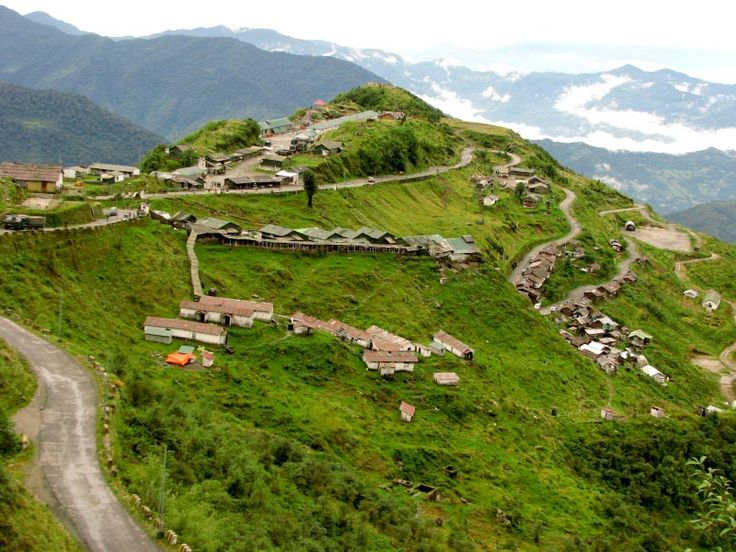 A visit to Honeymoon Beach is a must for all lovebirds! Darjeeling Gangtok Honeymoon Tour Package for Couples are specifically designed for YOU!