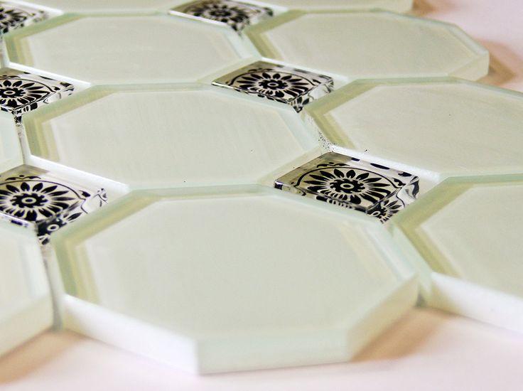 Mozaiki, panele i listwy szklane. Mozaika szklana, czyli jak obudzić w sobie artystę. http://www.liderbudowlany.pl/artykul/292/Mozaiki%2C_panele_i_listwy_szklane