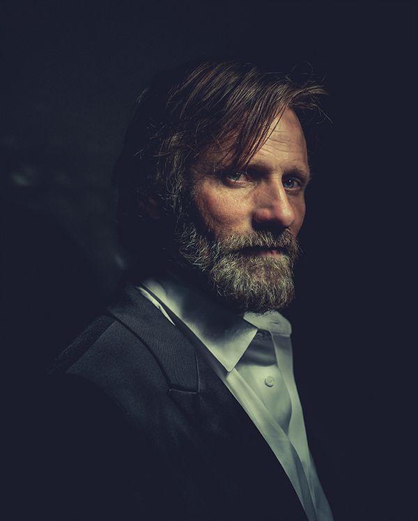 Viggo Mortensen - Ritratti di persone famose, quasi quadri - Il Post