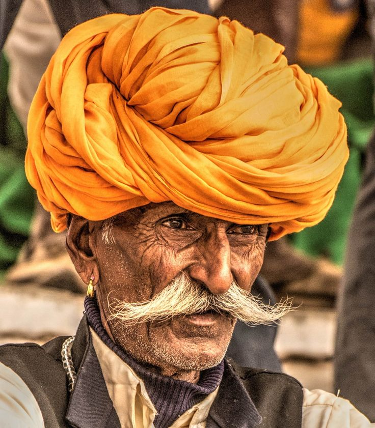 The Rajasthani rural men wear these striking bright head-gears called Pagri (turban)!  Please click on each picture to take a closer look at it.   #India #IncredibleIndia #colorsofrajasthan #turban #pagri #ruralrajasthanimen #Rajasthan #travel #trip #tour #yolo #usa #UCLA