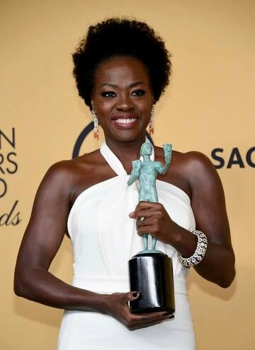 Viola Davis with her SAG award for Best Actress in a Drama!