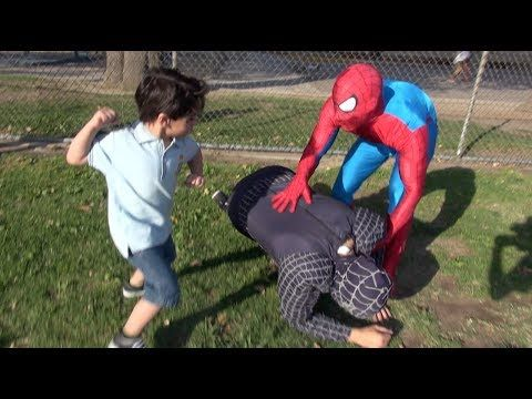 Spiderman In Real Life Prank! : watch funny prank videos - http://funny-video.org/spiderman-real-life-prank-watch-funny-prank-videos/