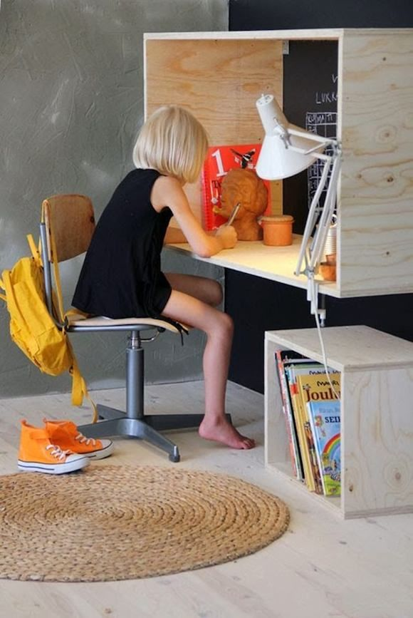 Plywood Desk for Kids such a cool idea. Although my child would try climb on top.