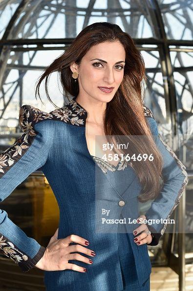 #shilpareddystudio #fashion #malkha #indian #parisian #eiffeltower #fashionshow #jessicaminhanh #autumn/winter #dress #paris #shilpareddy #blazer