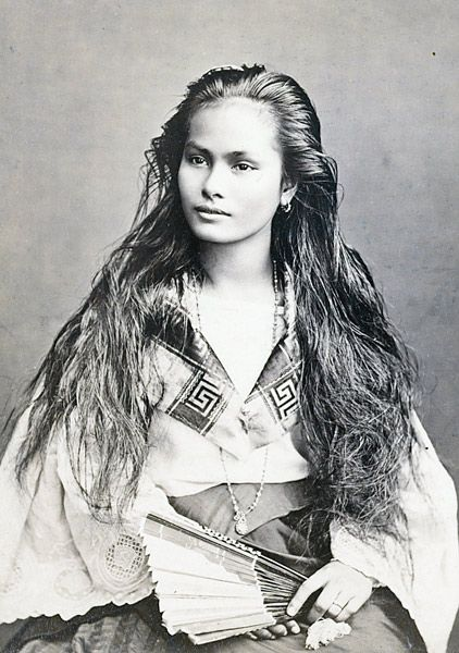 Tagalo-chinese woman with long hair in 19th century. — Photo Musée du Quai Branly -
