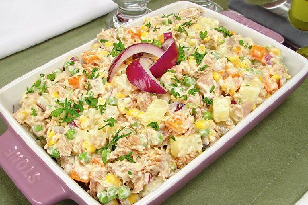 A Maionese de Atum é prática, deliciosa e vai agradar toda a sua família. Experimente! Veja Também: Maionese de Frango Veja Também:Maionese de Batata com