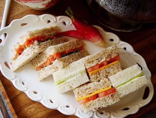 finger sandwiches | Tumblr