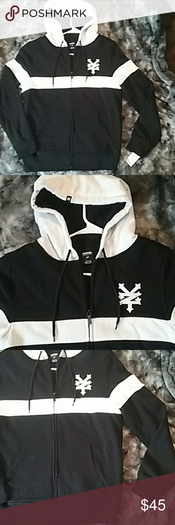 NWT Zoo York zip up hoodie size small Zoo York brand zip up hoodie Black with white stripe across chest White hood and logo Full zip Goode Logo on tip if hood Black d rawstrings on hood Pockets on front Retail 80$ Zoo York Sweaters Zip Up
