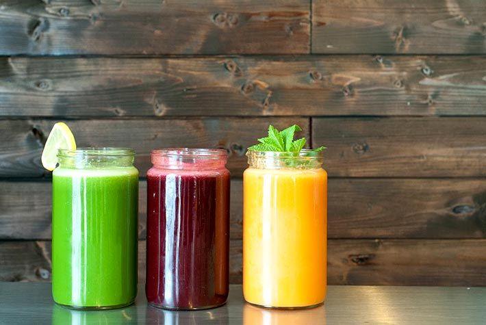 Fegato: bevande per migliorare la salute epatica:   1. Succo di mirtillo contro la fibrosi epatica;  2. Succo d'arance rosse contro il fegato grasso;  3. Succo di Noni per combattere le tossine;   Per saperne di più >>> http://www.piuvivi.com/alimentazione/fegato-bibite-migliore-salute-epatoprotettive.html <<<