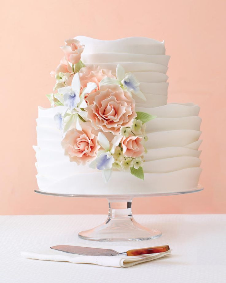 7 Pretty Cakes We Can't Stop Looking At | TheKnot.com