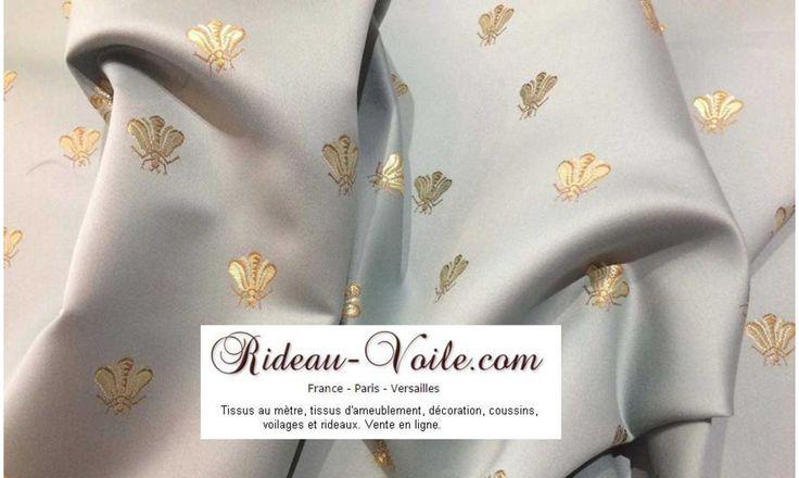 Rideau sur mesure et tissu ameublement décoration Monarchie Bourgeoisie de France style Empire motif brodé or abeilles luxe chic. Rideau#tissu#sur#mesure#empire#ameublement#au#mètre#couture#style#motif#abeille#lys#bleu#or#décoration