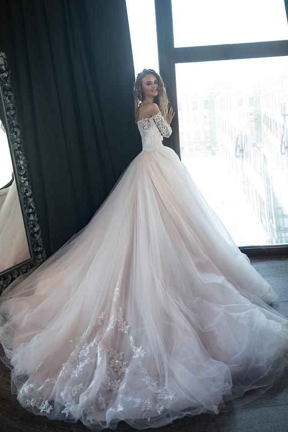 Ball marriage ceremony gown Brukly by Olivia Bottega, Lengthy sleeves marriage ceremony gown, Gentle pink marriage ceremony gown, Tulle marriage ceremony gown