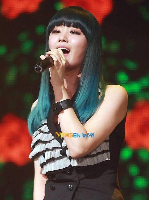 SECRET's Song Ji Eun bleached her hair to achieve her blue color   allkpop.com
