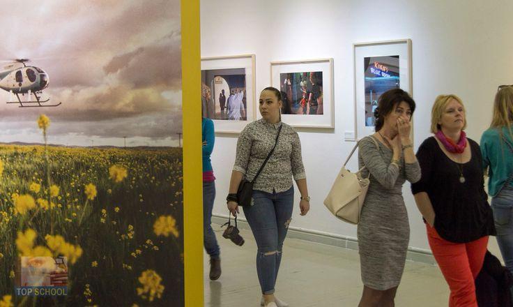 Alex Webb, a fény szenvedése című kiállításának megtekintése a Műcsarnokban  #okj #tanfolyam #kepzes #iskola #fotografus #foto #photo #fotosuli #tanfolyam #topschool #alexweb #magnum #mucsarnok