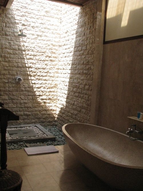 Balinese Bathroom Design/ Again with the light. #stone