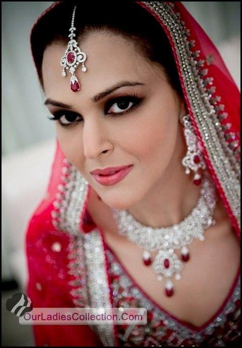 Latest Pakistani Fashion,Bollywood Fashion,Hollywood Fashion,Ladies Fashion,Men Fashion: Beautiful Bridal Faces 2012 Makeup