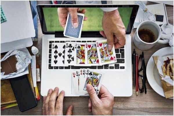 """Il gambling online, un fenomeno sempre piu` sociale Una delle donne d'affari piu` importanti d'America, Judy MCGrath, ha definito il gambling online un """"fenomeno ad alta intensita` sociale"""", in quanto i giocatori adulti, piu` e meno giovani, che vi si #gamblingonline"""
