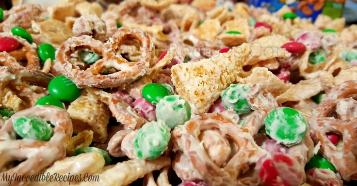 It's salty, it's sweet, it's festive — it's Christmas reindeer crack, and you WILL become addicted