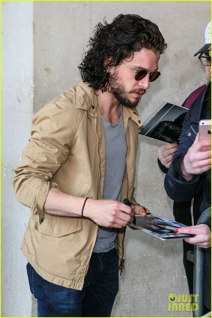 Kit Harington Gets A Phone Call From 'Game of Thrones' Co-Star During Radio Interview: Photo 3667003 | Kit Harington Pictures | Just Jared