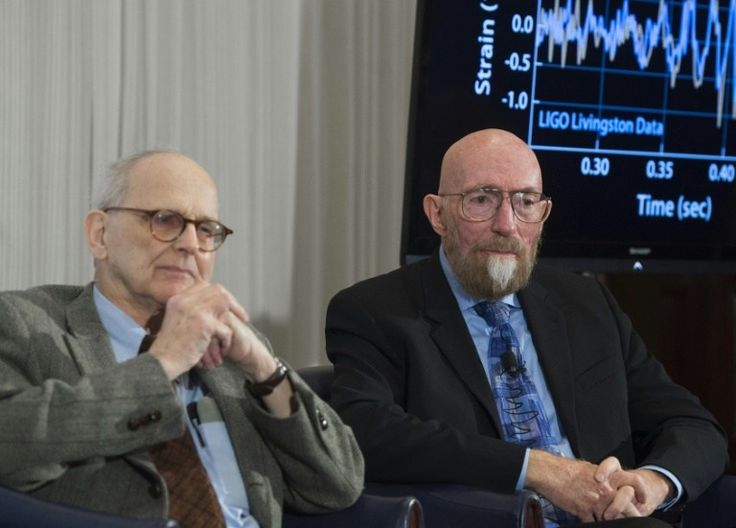 """Los descubridores de las ondas gravitacionales ganan el Princesa de Asturias """"Ha supuesto un hito en la historia de la física al confirmar la predicción de Einstein"""" en su teoría general de la relatividad en 1915 y """"ha marcado el inicio de un nuevo campo de la astronomía, la astronomía de ondas gravitacionales"""", explicó la Fundación Princesa de Asturias, organizadora de los premios.  http://wp.me/p6HjOv-49g ConstruyenPais.com"""