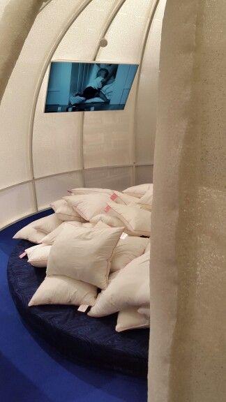 Tyynyjä iglussa