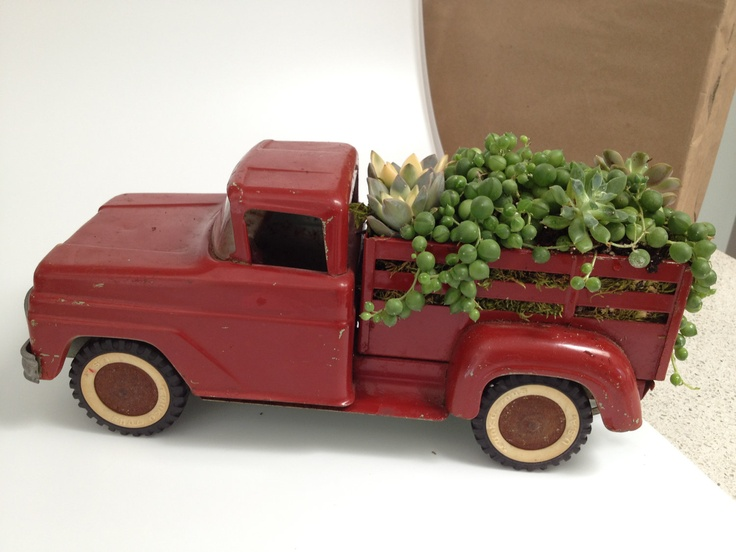 Vintage Toy Trucks Part - 47: Succulent Garden In A Vintage Farm Truck - Love The String Of Pearls In  This!