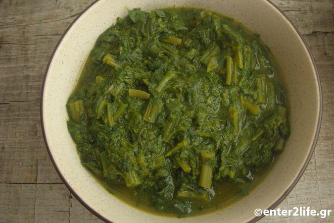 Σούπα με σπανάκι, τσουκνίδα και πλιγούρι – enter2life.gr