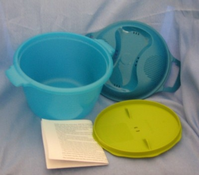 Tupperware rijst koker: vind ik handig, kookt niet over, kan in afwasmachine en altijd goed.
