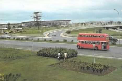 Bus tingkat di Semanggi, 1971
