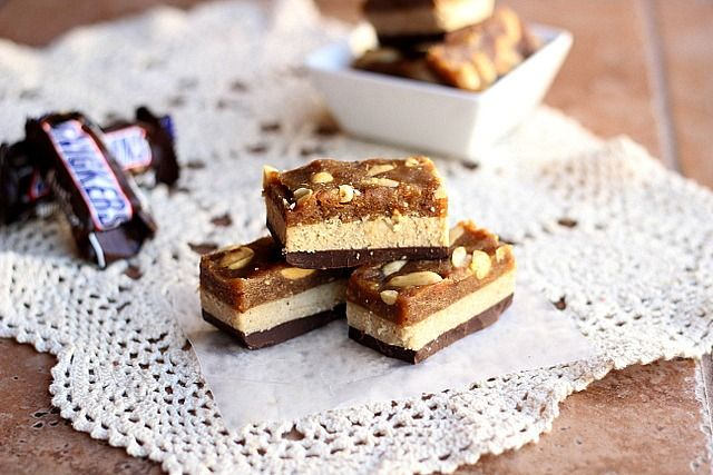Healthy Fun Sized #vegan #glutenfree snickers bars knock off. These look freaking amazing.