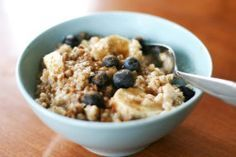 """Total Choice """"Blueberry Banana Oats"""" Recipe. Blueberries are rich in fiber, antioxidants and vitamin C, and banana helps add a creamy texture to the oats. Get full recipe here: http://dr-oz.com/total-choice-blueberry-banana-oats-recipe"""