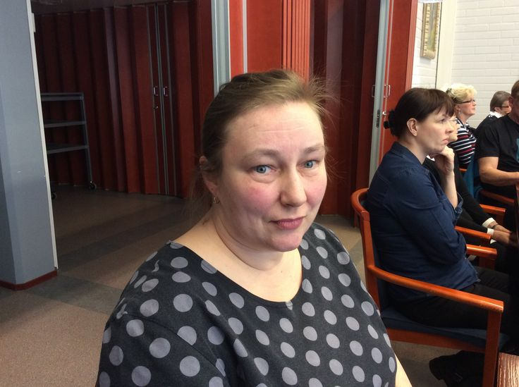 Maru Nissinen toimii ravitsemistyöntekijänä Rantasalmen koulukeskuksessa.
