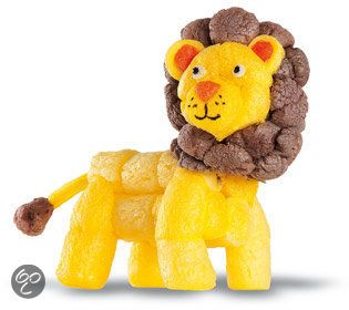 Lion made from playmais or magic nuudles