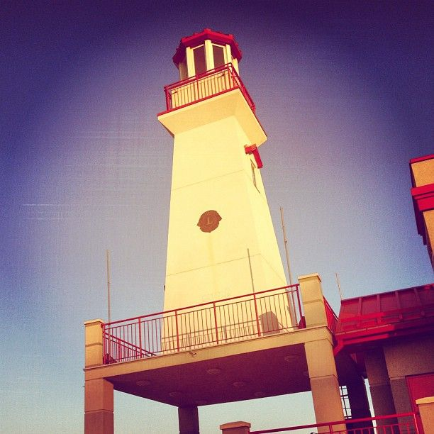 """Lighthouse. #portcredit #mississauga  #igerstoronto"""