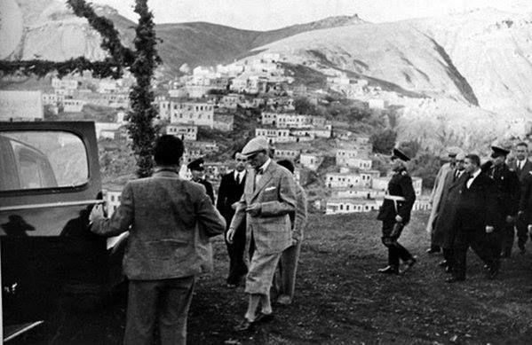 En Güzel Renkli ve Siyah Beyaz Atatürk Resimleri - Sayfa 4 - Vazgecmem.NET